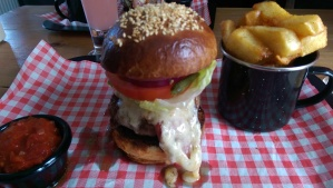 Burger review of The Alb
